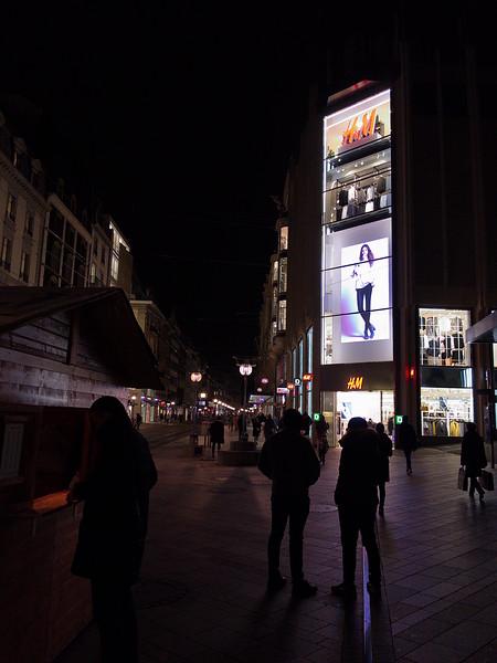 Rue du Rhône by Night