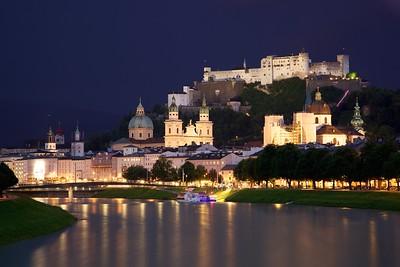 Old_Town_Salzburg_across_the_Salzach_river
