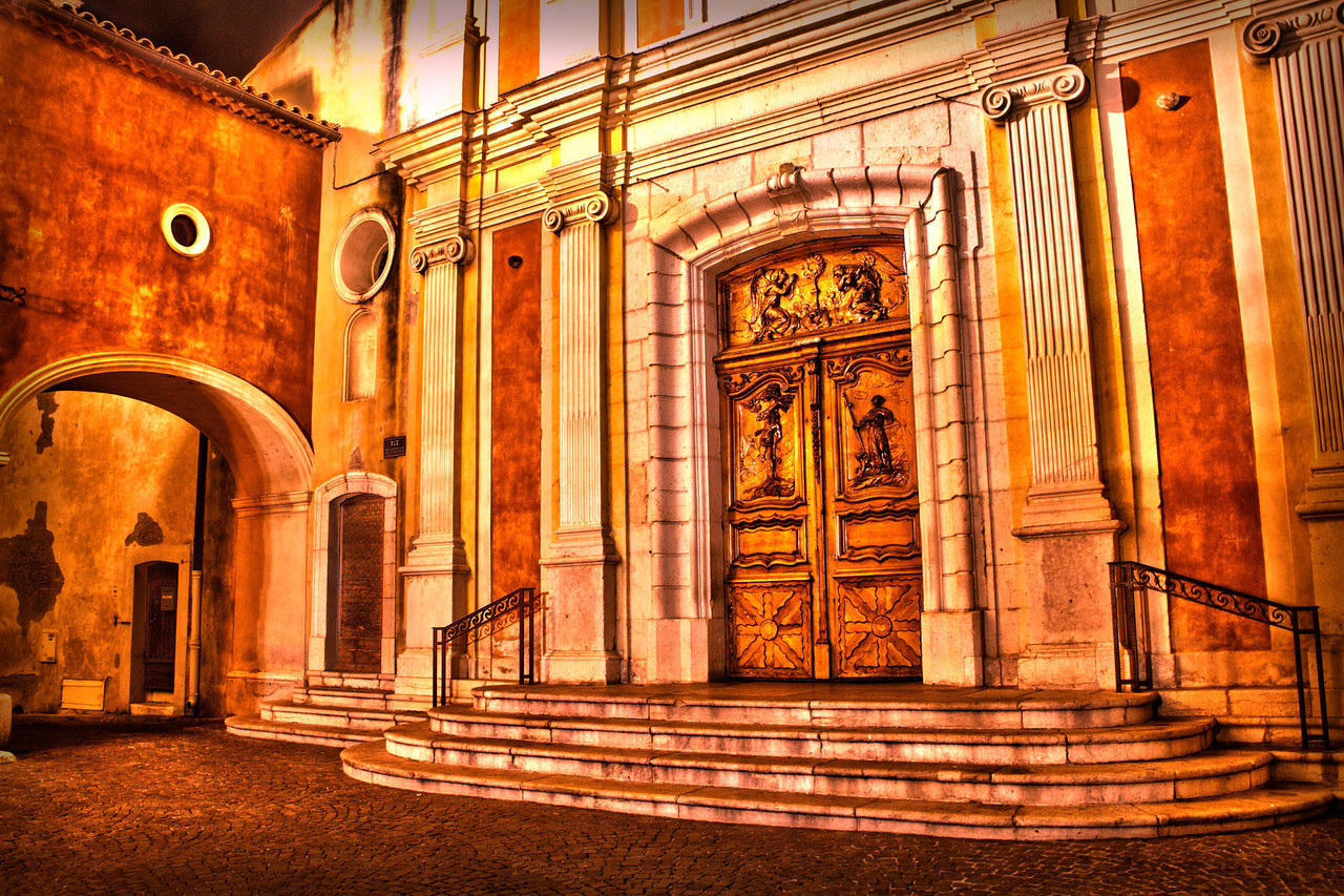 Les Portes de la Cathédrale
