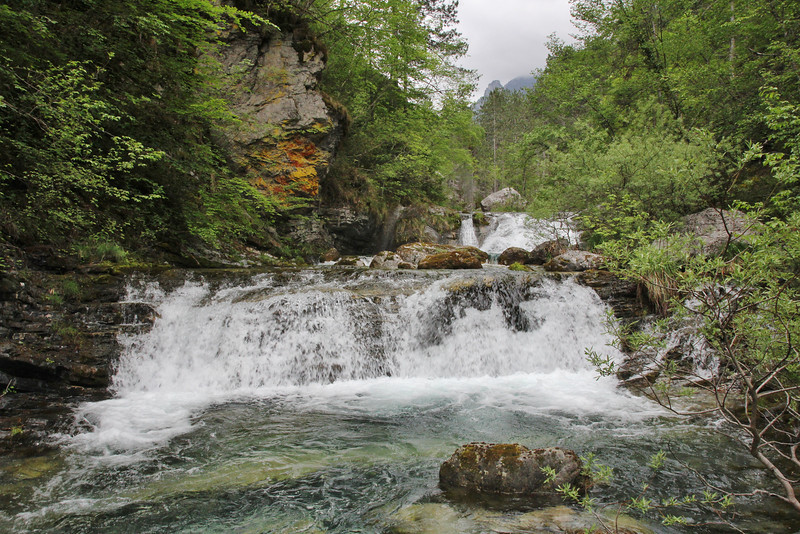 Waterfall, Enipeas river, 950m, beneath Agios Nikolas Monastery, Olympic NP