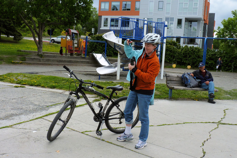 Alaska Day 1 - 6/9/2012:  We arrive in Anchorage early enough to rent some mountain bikes and head out on the Tony Knowles Coastal Trail.  Since we don't have proper biking clothes, Patti starts a new fashion trend with a rolled-up pant leg.