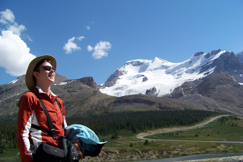 We're back at the Icefield interpretive center, which will also be our hotel for the night (along with the bicyclists from Backroads).  Patti enjoys the sunshine a little longer before we have to clean up for dinner.
