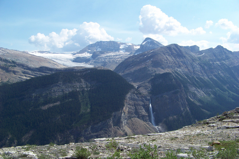 We're now high enough that we can see the Daly Glacier that feeds Takakkaw Falls.