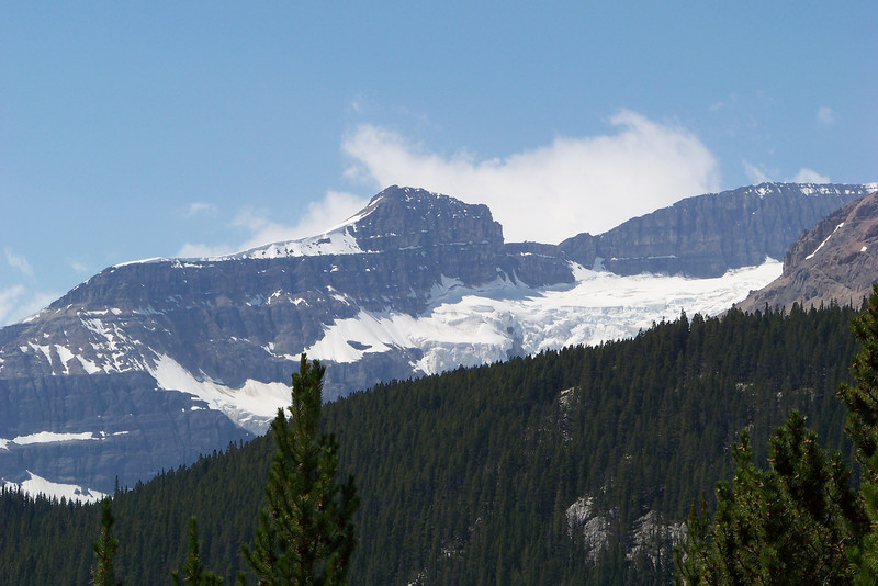 As we approach the Columbia Icefield, the glaciers get bigger and badder!