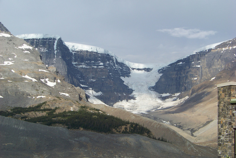 Day 7:  July 29 -- we take some parting shots from the Icefield Centre.  This glacier, the Snow Dome, is the site of a triple continental divide; its waters drain into the Pacific and Arctic Oceans as well as Hudson Bay (and eventually, the Atlantic Ocean).