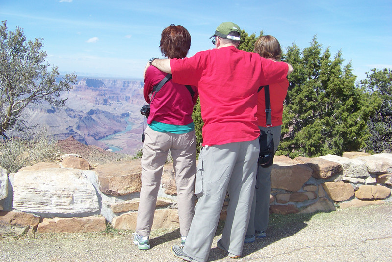 It's hard to visit the South Rim of the Grand Canyon without feeling tempted to do a little National Lampoon parody...a parody of a parody!  How is Lane's imitation of Clark Griswold?