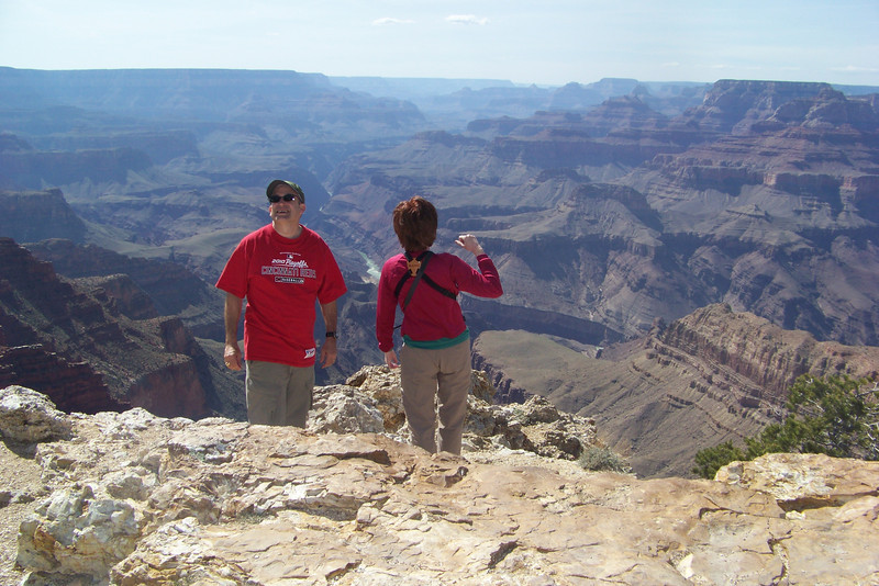 Lipan Point is one of the spots known for viewing raptors because the North Rim is relatively close here. We enjoy watching the Ravens playing in the strong wind.