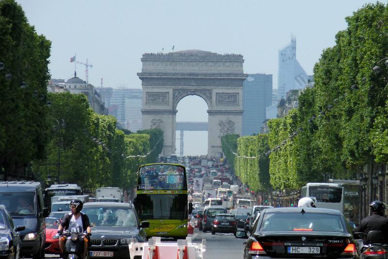 More quintessential Paris: Champs-Élysée and the Arc de Triomphe