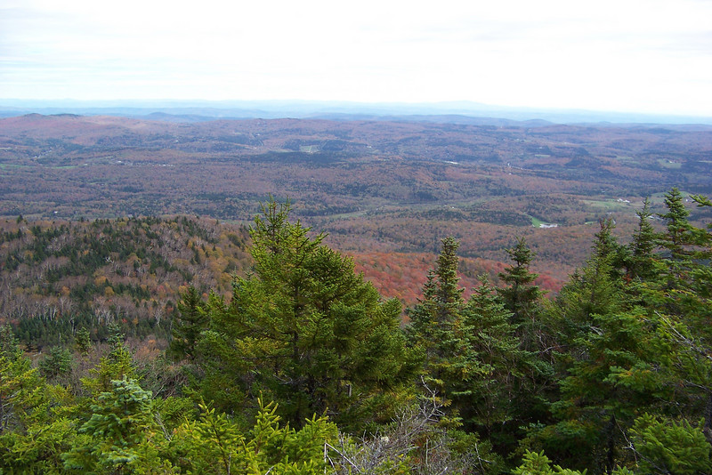 The Southern Green Mountains and rural Vermont spread out below us (or perhaps we're looking into Massachusetts).