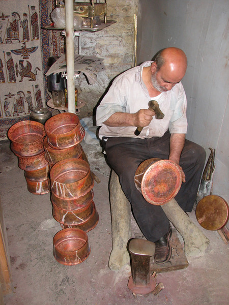 copper smith with copper sheet products (craftsman Esfahan)