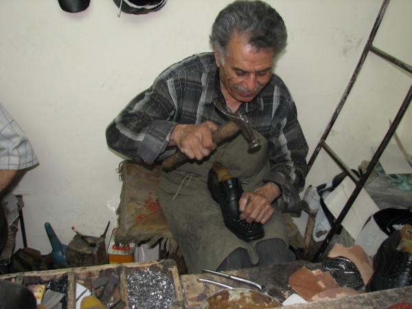 Shoemaker (handycraftsmen Esfahan)