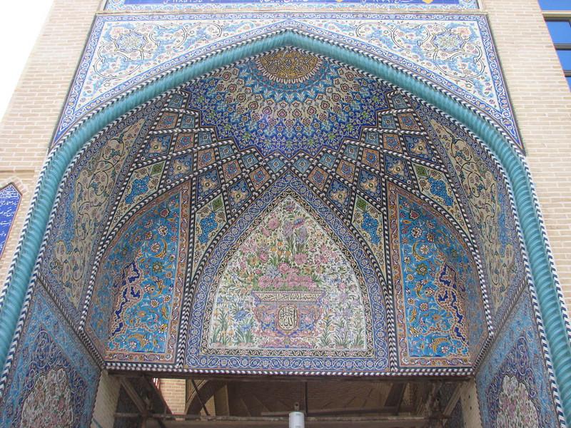 portal with flower motives (Esfahan)