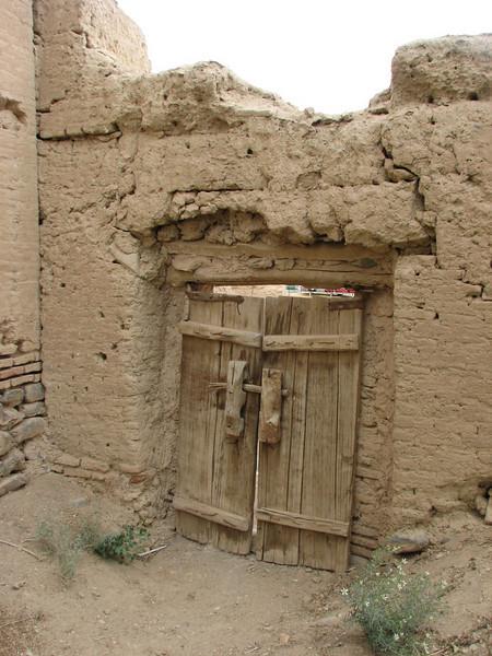 entrance mud house (Abbas Abat)