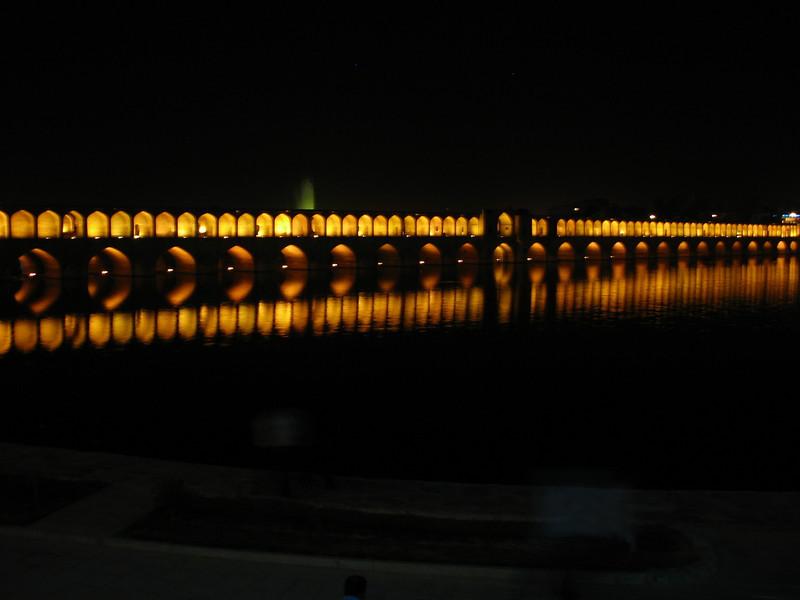 Si-o-Seh bridge at night (Esfahan)