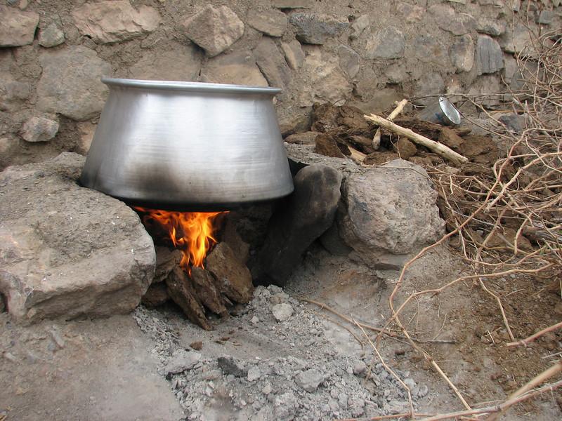 manure fire (Karlaten shur, Kuh e Aladag, NE Iran)