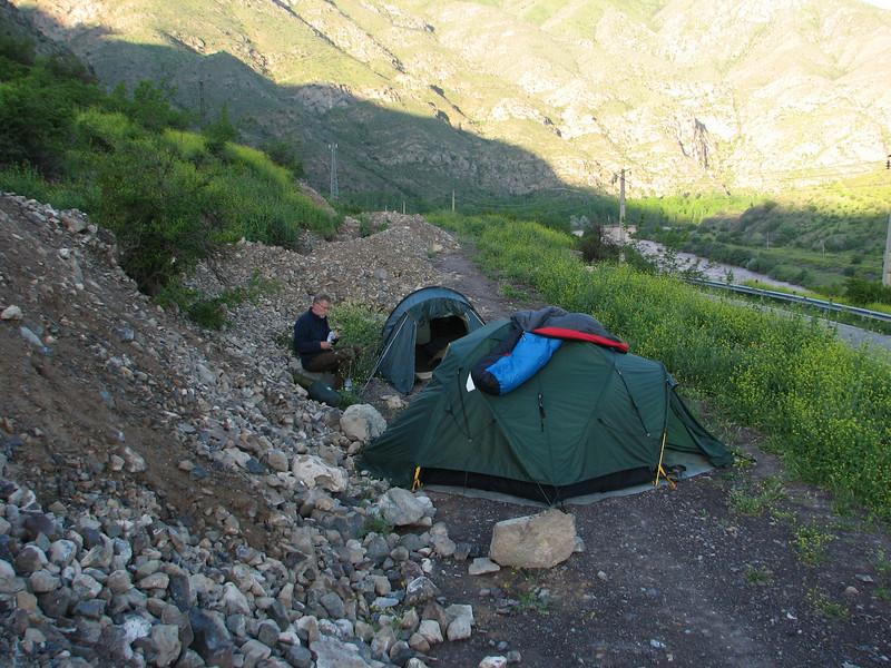 campground (Iran, Azarbayjan-e-Gharqi, mountains NE of Mardanqayem, border Iran-Armenia (16)