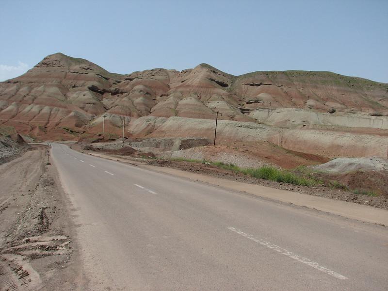 the colourful Sendan mountains (Iran, Qazvin, near Gilavan, W of Sefid Rud Reservoir (40)