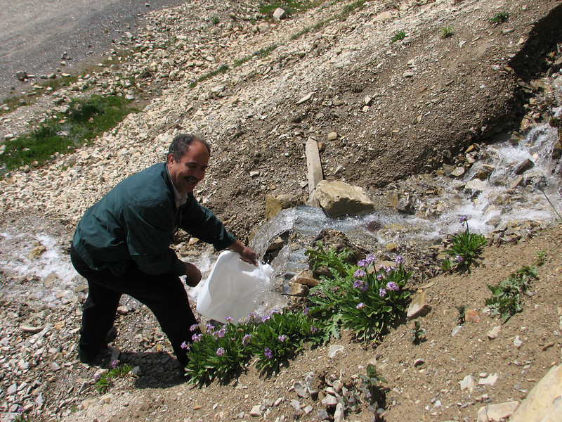 collecting fresh water in a natural spring, Iran, Gilan, Elburz mountains, pass, SE of Masuleh 2200m (6)