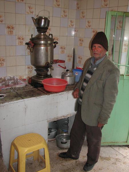 Tea time (Iran, Ardabil, Kuh-e-Sabalan mountains S of Lahrud
