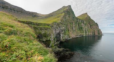 Jedny z největších ptačích útesů na Islandu. Křik statisíců všelijakých opeřenců byl místy skoro ohlušující.