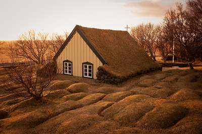 Pohádkový kostelík ve vesničce Hof.