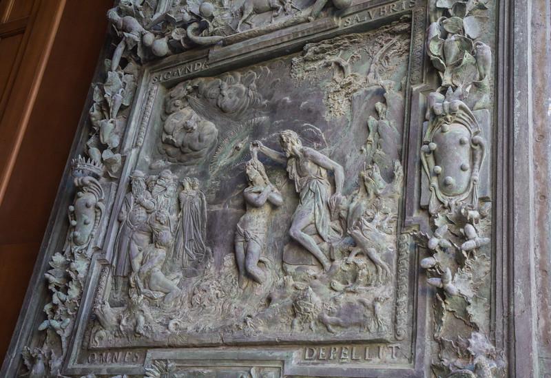 Portale di San Ranieri