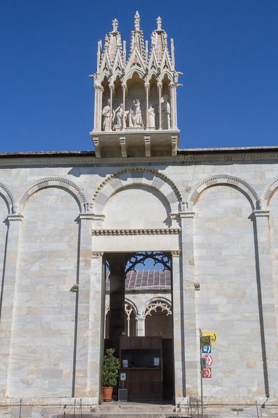 entrance Camposanto