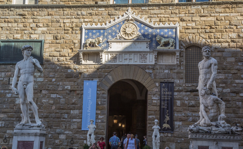 David, Palazzo Vecchio - Main entrance