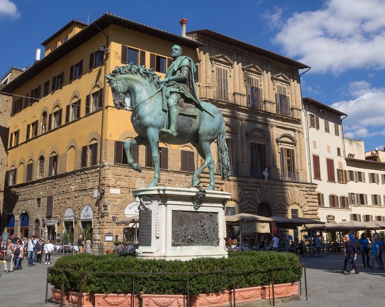 Cosimo I de' Medici's statue