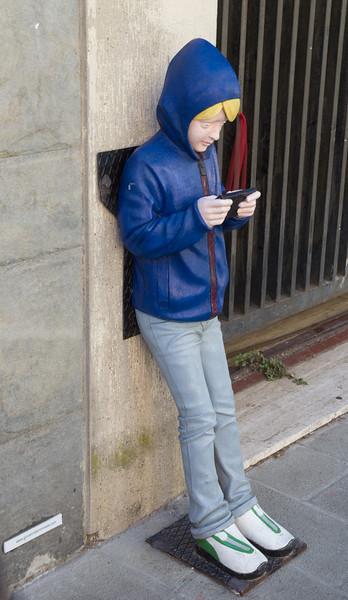 App addicted boy