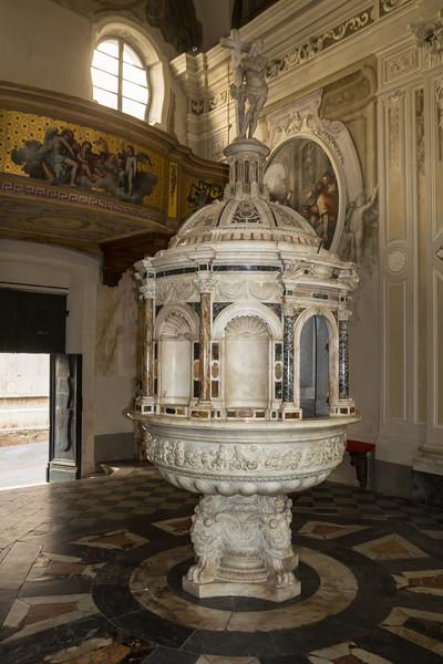 "Baptismal source to ""Bomboniera"""