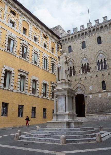 Stature of Sallustio Bandini