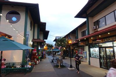 Shopping near Hanalei.