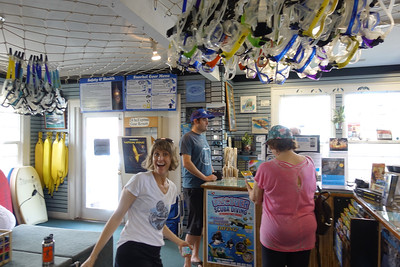 Picking up the gear at Snorkel Bob's in Kapaa.