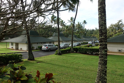 We each had a side of the bungalow and it was convenient parking and easy access to the park and beach.