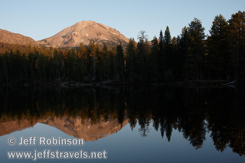 Late sun on Lassen Peak with it and the tree line reflected in the lake (9/8/2009, Reflection Lake, Lassen NP)