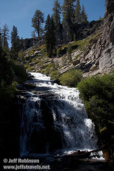 A mini-waterfall at the bottom of a cascade (9/10/2009, Kings Creek Falls hike, Lassen NP)