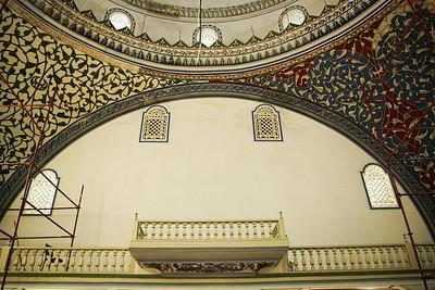 vnitřek velké mešity v rekonstrukci