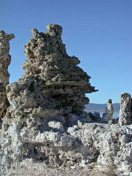 Tufa formations at South Tufa (Mono Lake 2002)