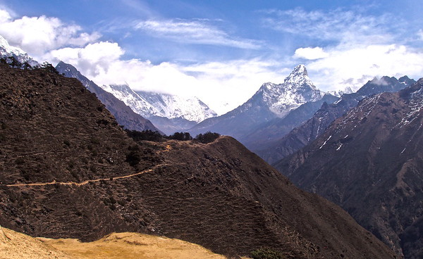 Trail to Ama Dablam