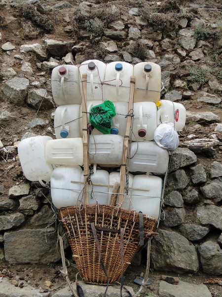 Porter load, Monjo 2900m-Namche Bazaar-Tengboche-Deboche 3630m