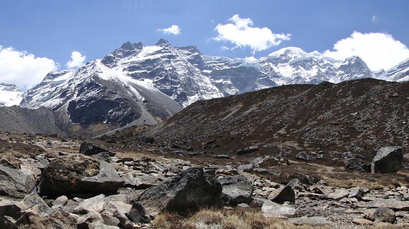 First view at Mera Peak 6476m, Tangnag 4300m-Kare 4950m