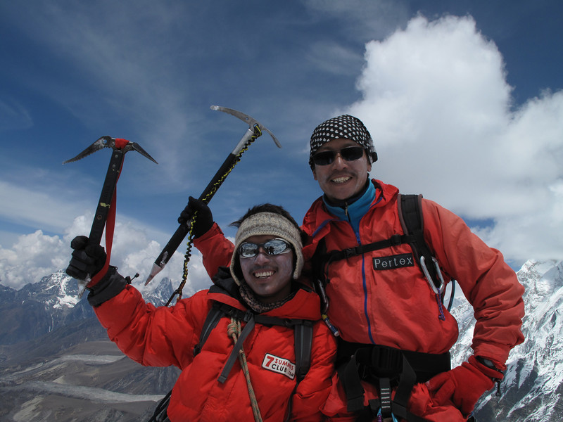 10.50h Mingmar and Ang, our Sherpas, on the summit of Island Peak (Imja Tse) 6189m