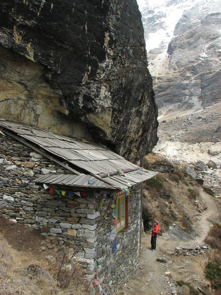 Small monastery in the rocks, Kothe 3700m-Tangnag 4300m
