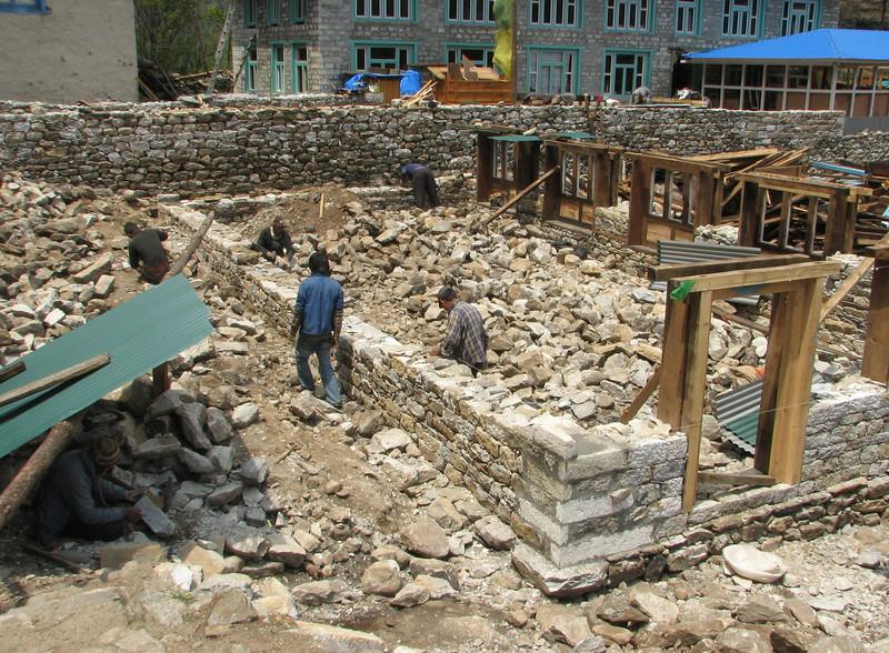 Construction works, Lukla 2800m-Monjo 2900m