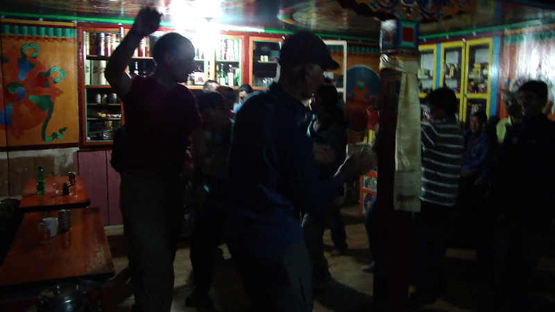 Film: Expedition Farewell Party, Lukla