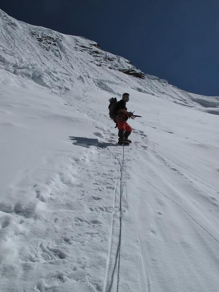 9.00h Start ice wall 300m to summit. Ascending Imja Tse, Island Peak 6160m