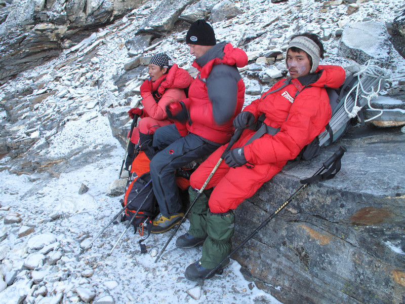 5.30h Applying sun protection, Peak Base Camp 5000m-Island Peak summit 6160m
