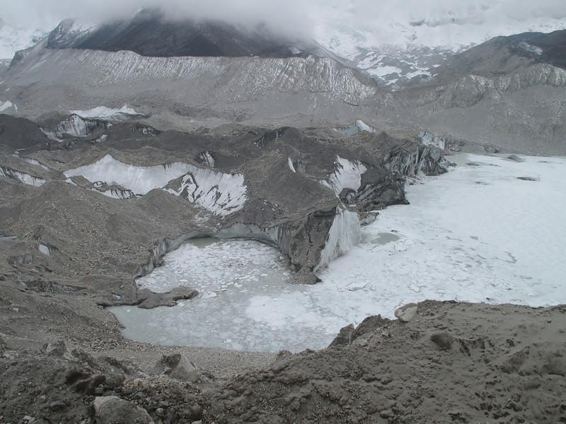 15.00h Passing glacier lake