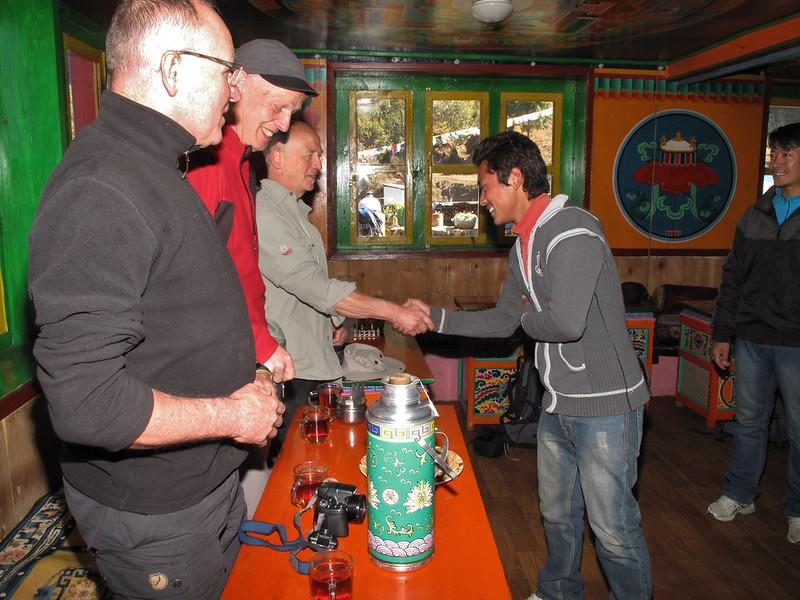 Making acquaintance with Ang Geljem Dawa Sherpa and Sherpa Mingmar (photo), Lukla 2750m